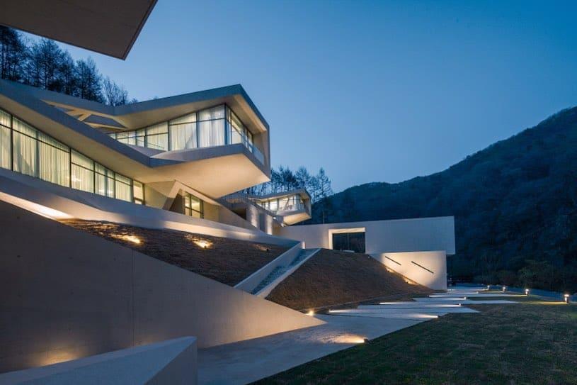 Haga un tour privado por esta fabulosa casa moderna en Hongcheon, Corea Del Sur