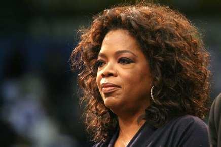 """Cómo Oprah Winfrey pasó de usar sacos de patata """"como vestidos"""" a ser una de las mujeres más ricas del planeta"""