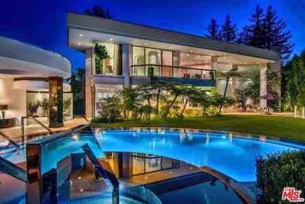 Ponen a la venta esta exclusiva propiedad de estilo contemporáneo en Beverly Hills, California
