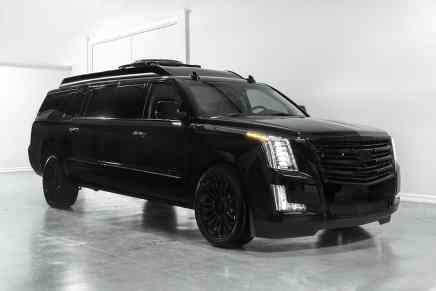 Ultra lujosa Cadillac Escalade 'Concept Two' extendida 30″ por Lexani Motorcars