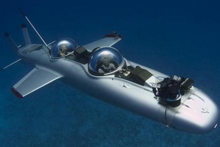 """Dietrich Mateschitz, multimillonario fundador de la compañía """"Red Bull"""", pagó la friolera de $1,7 millones por este increíble submarino"""
