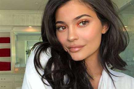 Kylie Jenner cuenta ahora con un patrimonio neto de $900 MILLONES según Forbes… En camino a convertirse en la multimillonaria más joven del mundo