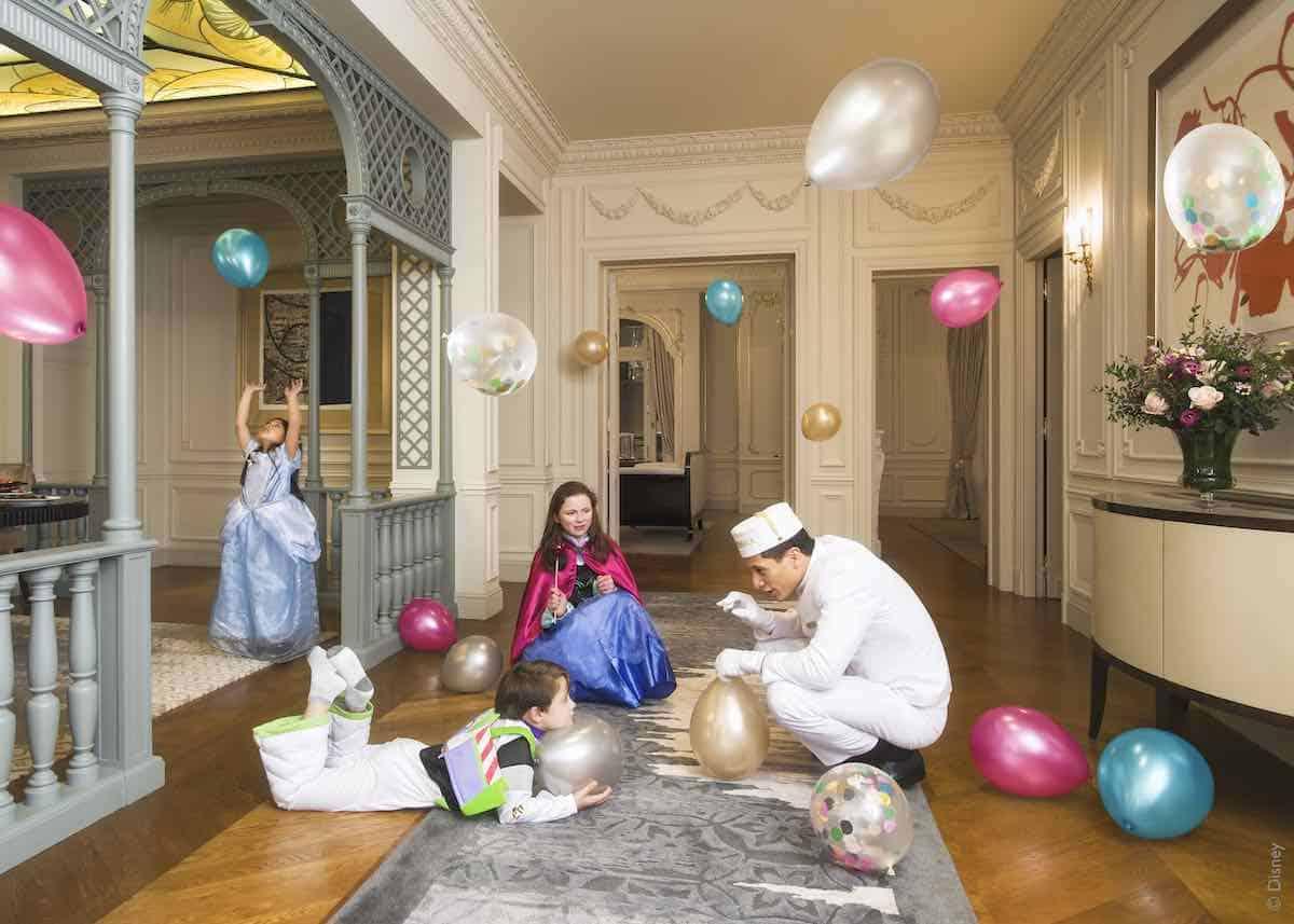 """¡Sorpresa para toda la familia! Experimenta la magia de """"The Walt Disney Company"""" en The Peninsula Paris este año"""