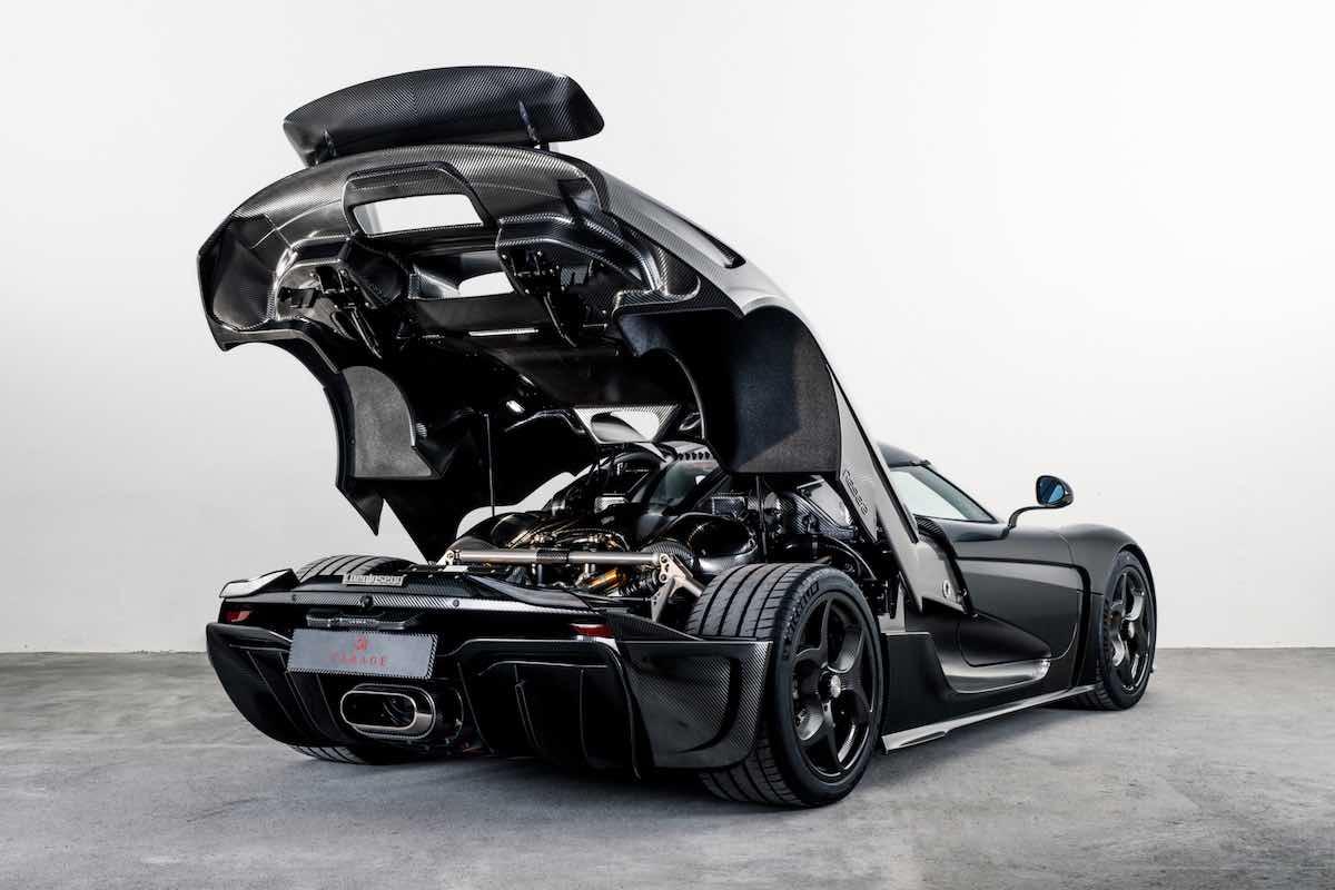 Este Koenigsegg Regera es el primer automóvil del mundo con un acabo KNC (Koenigsegg Naked Carbon)