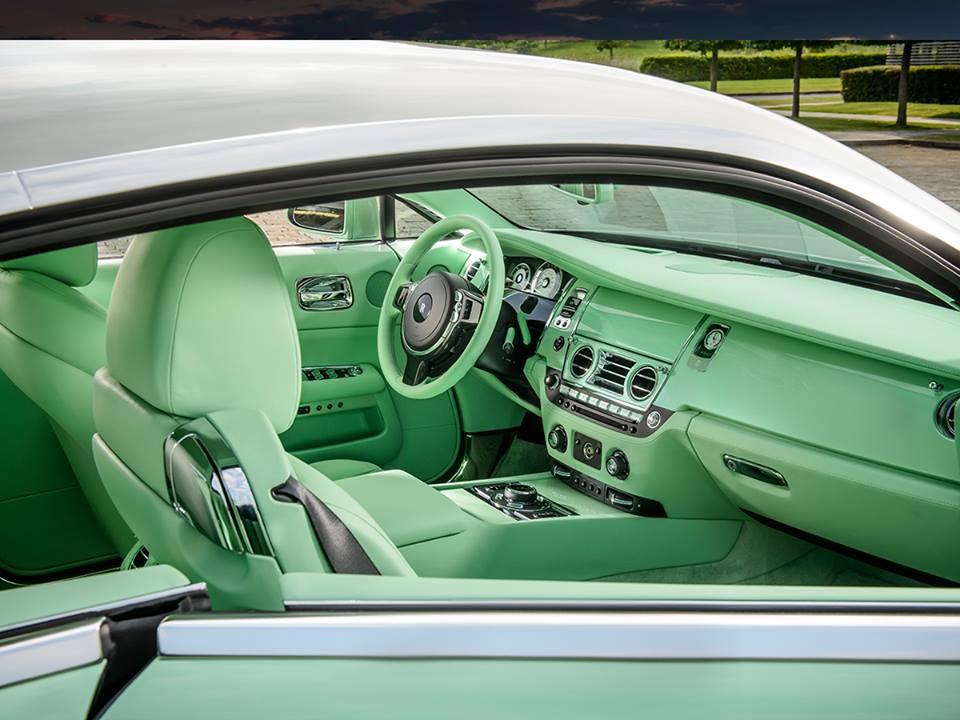 Rolls-Royce creó este maravilloso Jade Pearl Wraith color menta a petición del coleccionista de autos Michael Fux