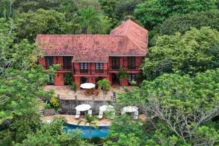 Mel Gibson pone su mansión frente a la playa y de 400 ACRES en Costa Rica a la venta por $29,8 millones