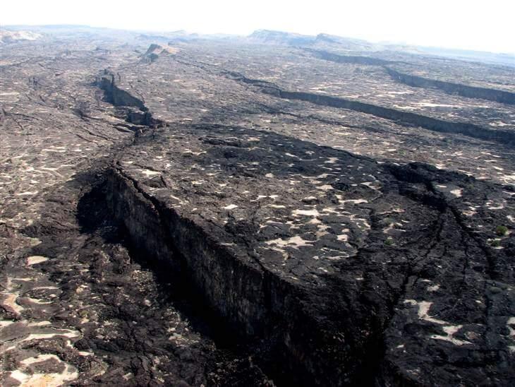 Земетресенията забавили въртенето на Земята и изместили земната ос