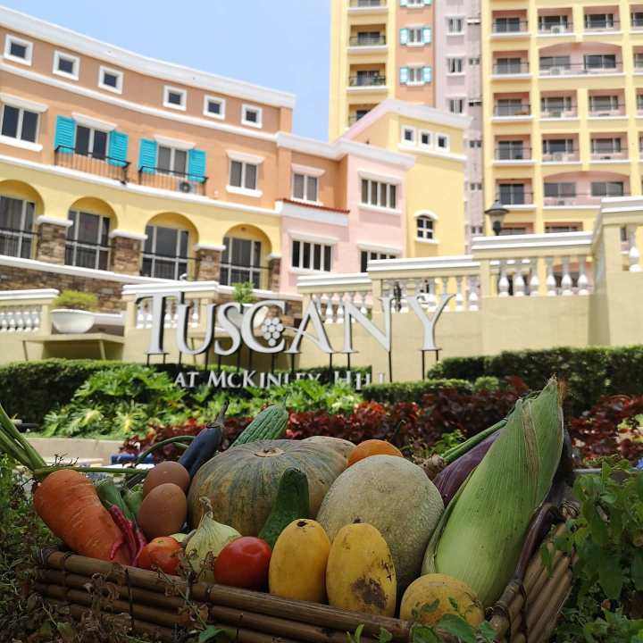 The mobile market will roll out at The Tuscany Private Estate on April 23, from 7:00am to 1:00pm; and on April 25 from 7:00am to 10:00am.