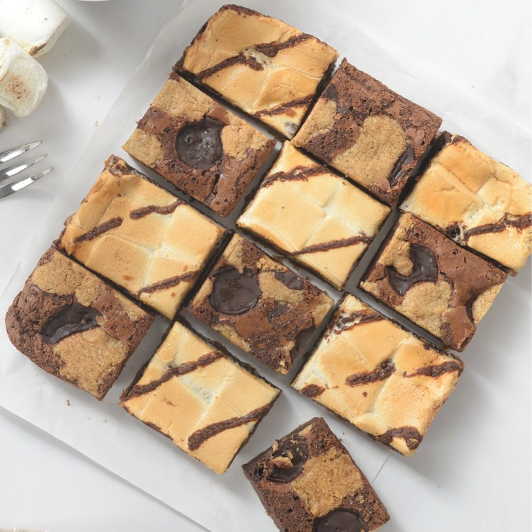 Get a burst of energy while munching on fudgy and chewy Belgian Bars! These little sweet pieces of happiness are made with premium Belgian chocolate. It comes in two flavors: Coffee S'mores and Brookies!