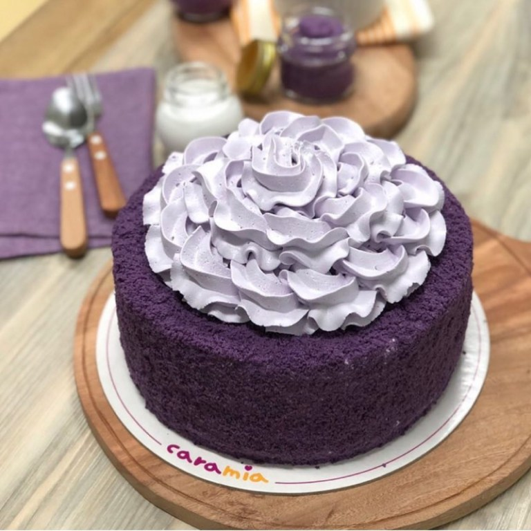 Enjoy a Pinoy classic and indulge in Ube Cake (P925)! This purple creation is made with layers and layers of ube chiffon with ube halaya filling. It's then topped with a gorgeously designed whipped cream, that will make any celebration extra joyful.