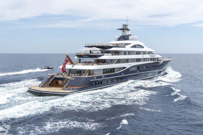 tis super yacht