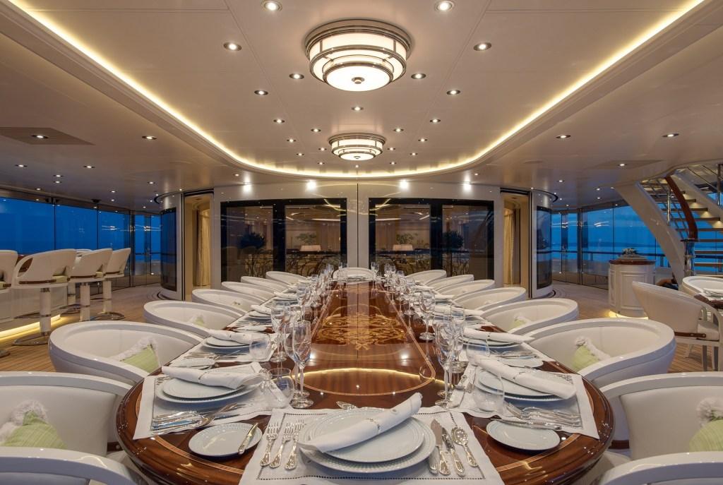 tis yacht dining room