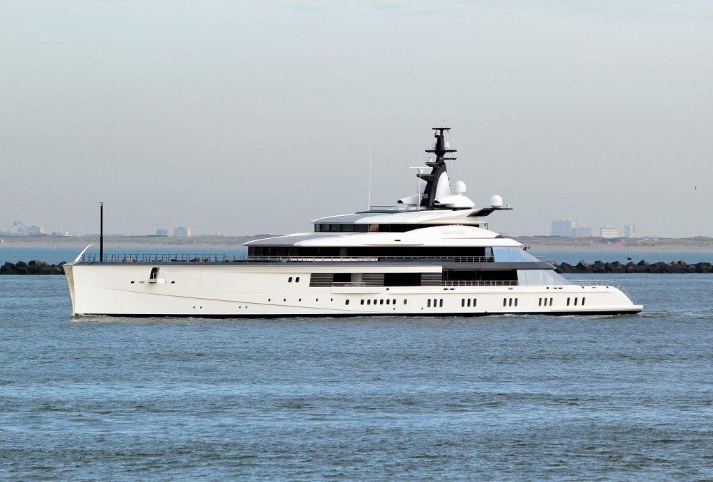 mega yacht bravo eugenia