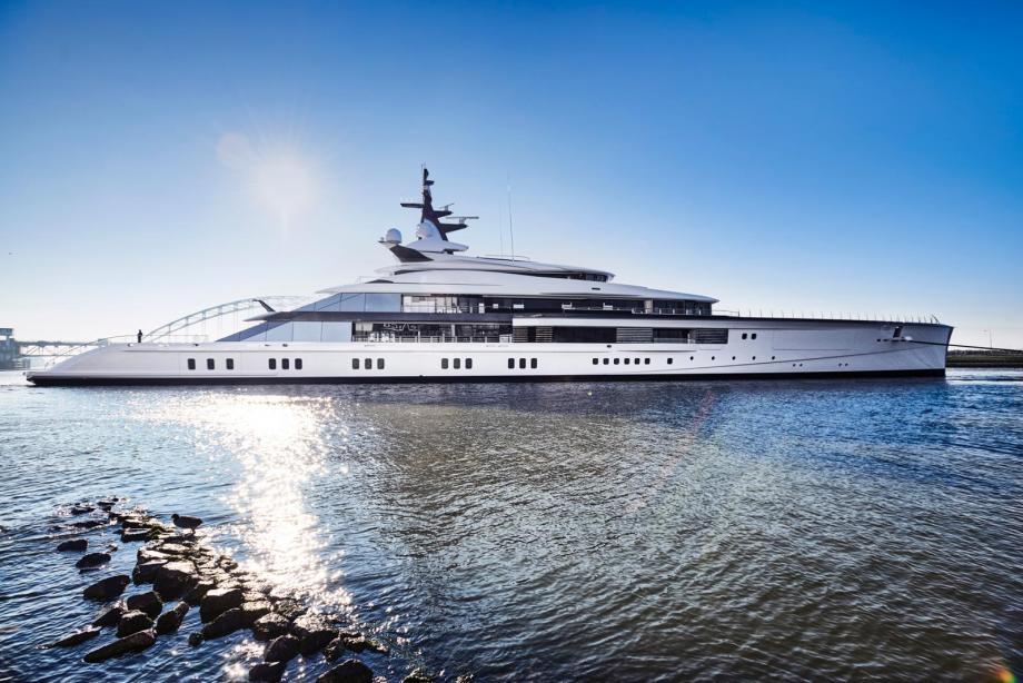 oceanco bravo eugenia beautiful yacht photo