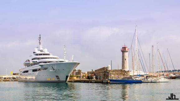 Super yacht Maryah docked