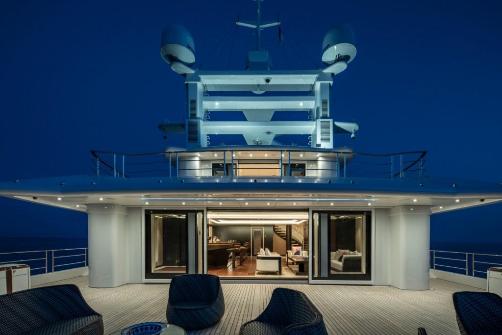 Super yacht flybridge