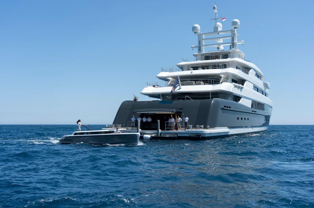 aft deck illusion plus yacht