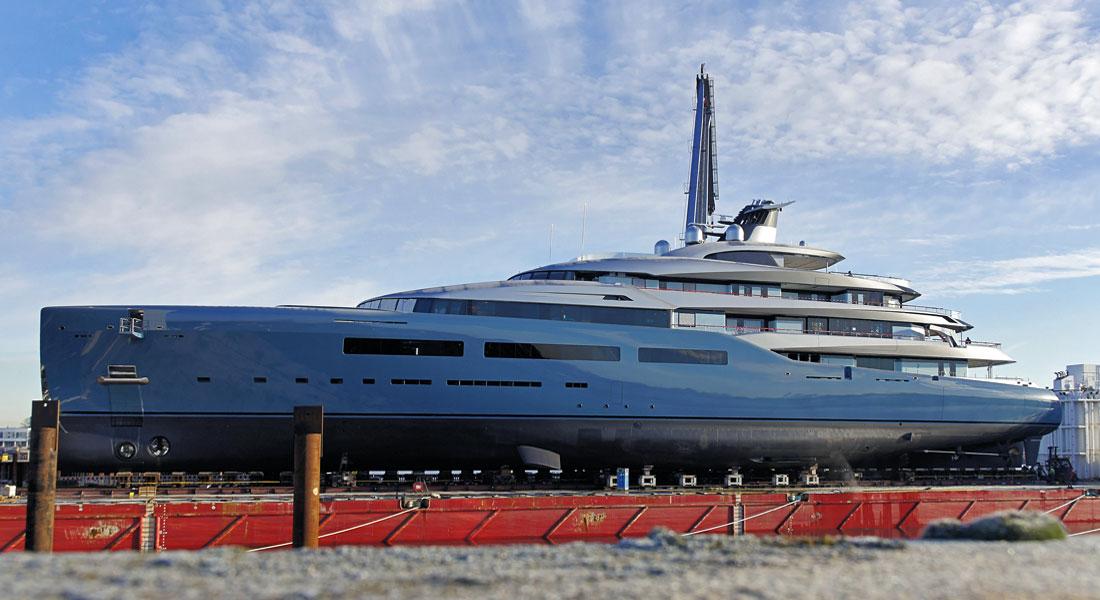 Newest Aviva Appears At AampR Megayacht News