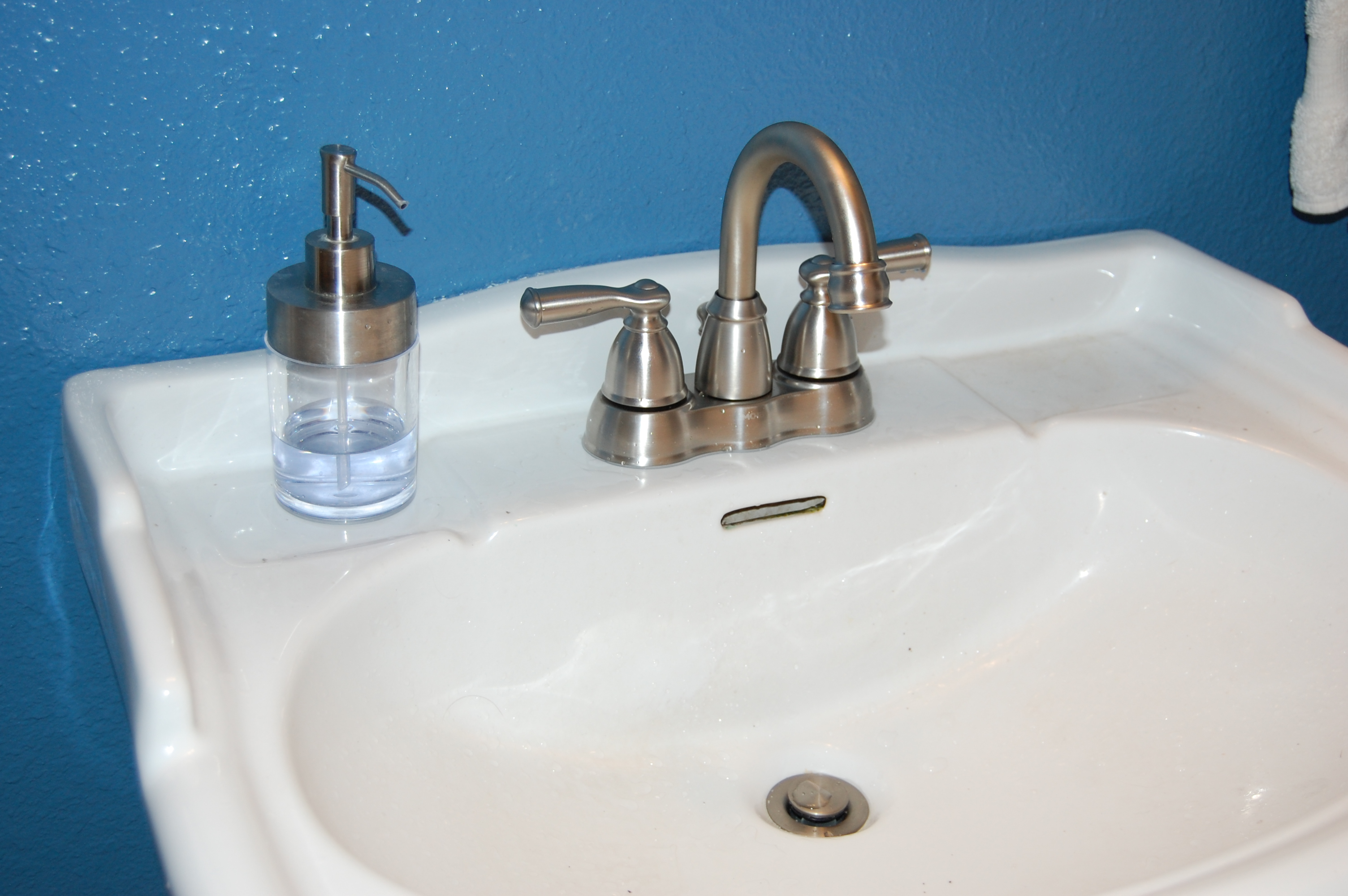 How To Remove & Install A Bathroom Faucet (pedestal Sink