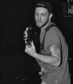 Nik Cromeeke - Bass