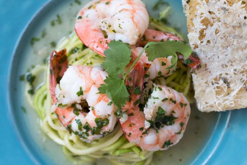 shrimp scampi with zucchini linguini