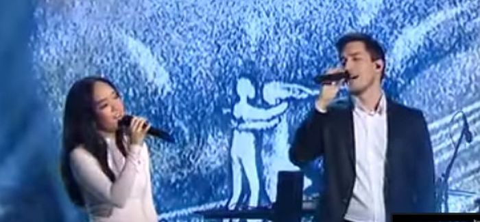 Gyönyörűen énekli Pál Dénes és Hien Reményik Sándor versét