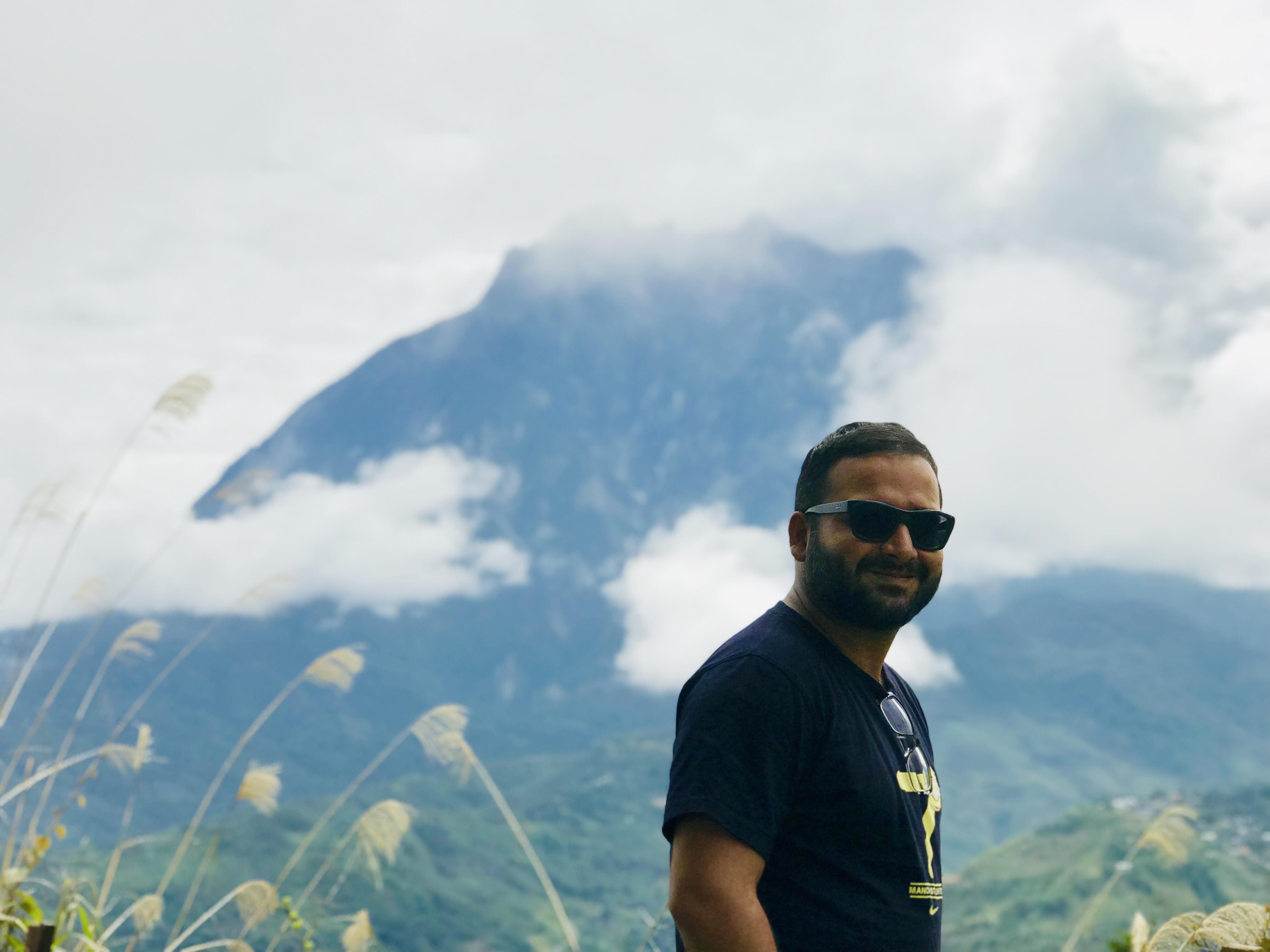 The beautiful and cloudy Mount Kinabalu