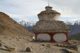 Stupas honoring the dead