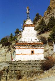 Chortens to honor the dead