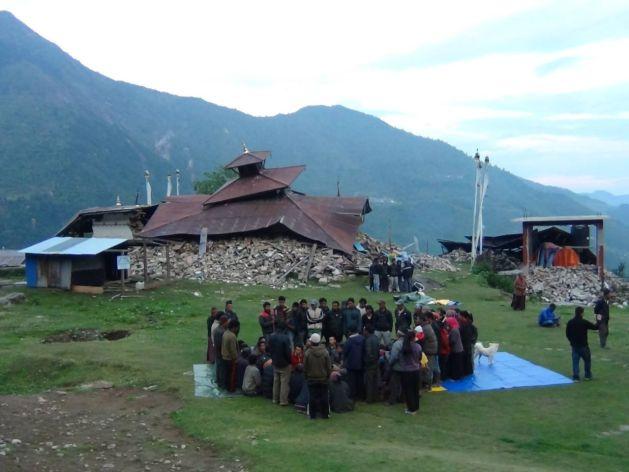Melamchi temple gathering