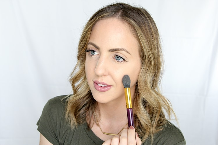 fall beauty trends anyone can pull off - strobed skin