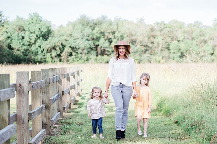 mother daughter fall photo shoot