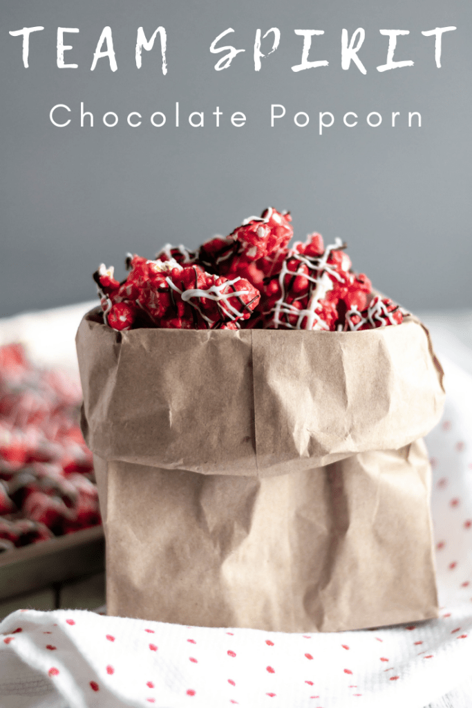 Team Spirit Chocolate Popcorn is the best way to watch your favorite team on game day. Use your teams colors to make this super simple, sweet treat.