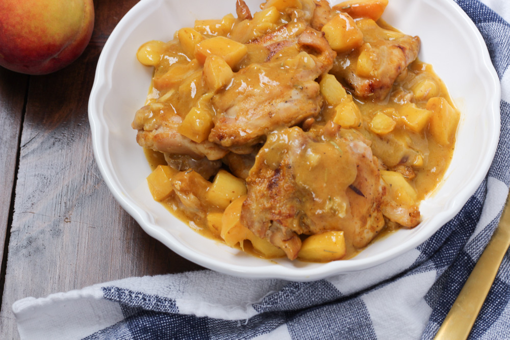Braised chicken and peaches