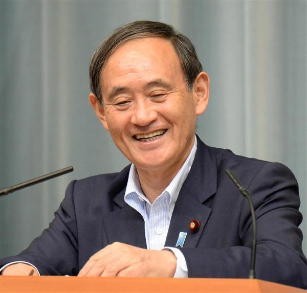 菅官房長官がかわいいと話題に!好感度が高いのは経歴と親近感にあった!