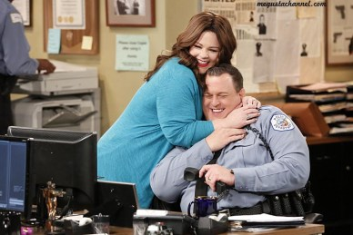 """Baby Bump"" -- Molly wants to help Frannie with her life after the baby is born and reunites Frannie with her sister, on MIKE & MOLLY, Monday, May 9 (8:00-8:30 PM, ET/PT) on the CBS Television Network. Pictured L-R: Behind the scenes with Melissa McCarthy and Billy Gardell Photo: Robert Voets/Warner Bros. Entertainment Inc. ©2016 WBEI. All rights reserved."