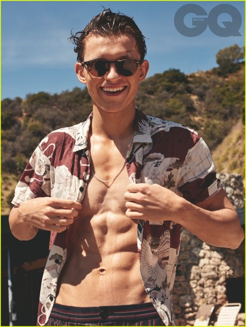 tom-holland-shirtless-abs-gq-01
