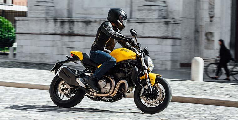 Ducati Monster 821 naked