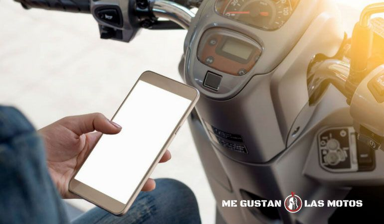 ¿Para qué sirve un intercomunicador para moto?