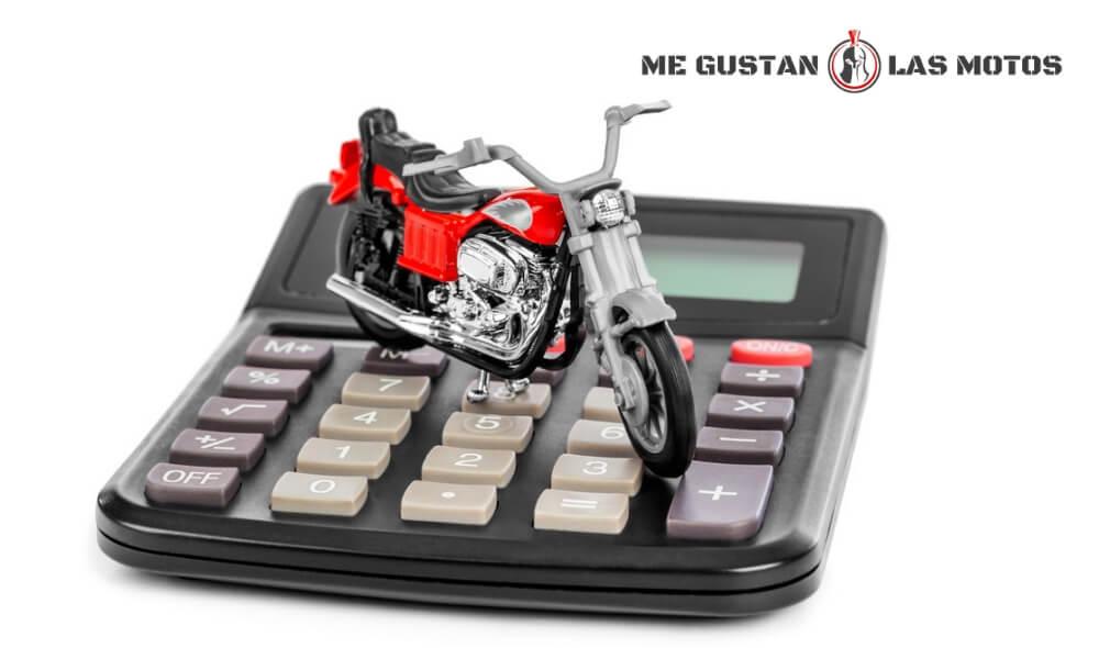 ¿Cuánto cuesta cambiar de nombre en la DGT a una moto?