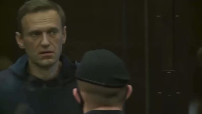 HAPPENING NOW - Russian opposition leader #Navalny is currently facing a court hearing that could end with him being sent to prison for year
