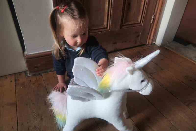 GUNDMy Magical Light and Sound Animated Unicorn Soft Toy