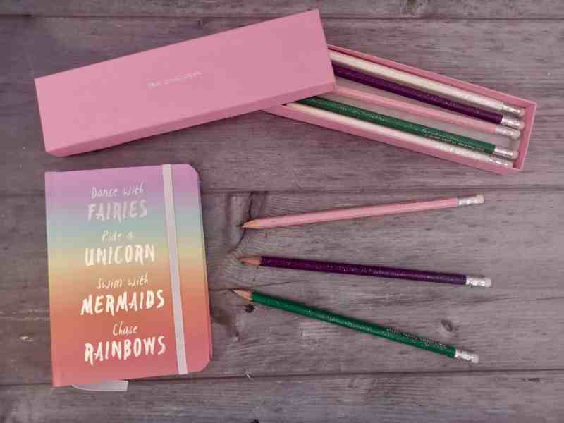 GiftPup personalised rainbow notebook and pencils set