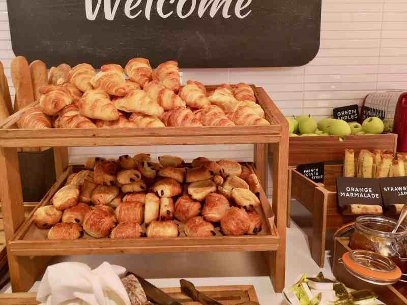 Novotel London Paddington breakfast