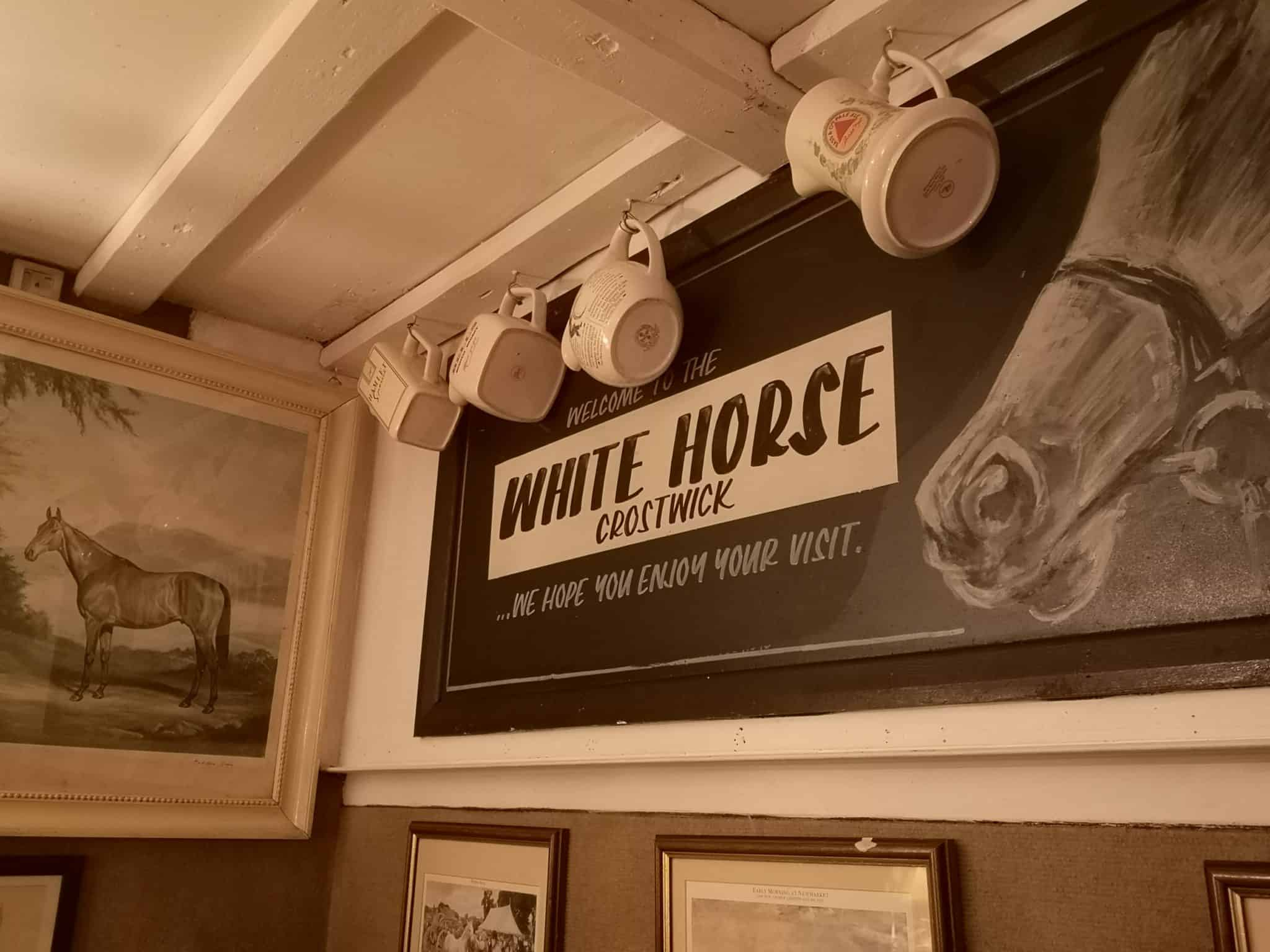 The White Horse, Crostwick