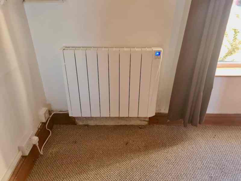 Small electric radiator