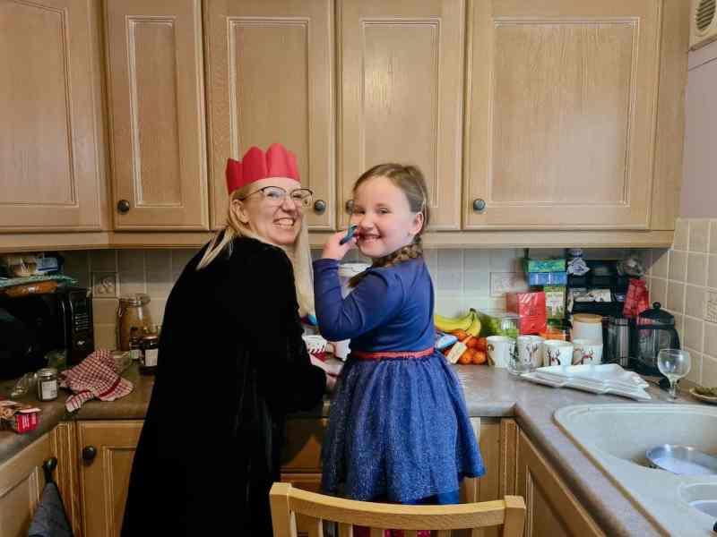 Eirn and Auntie baking in the kitchen