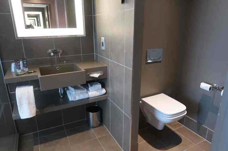 Novotel London Blackfriars Bathroom