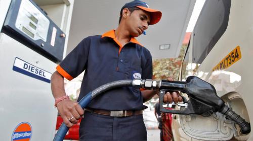 मँहगाई : डीजल-पेट्रोल की कीमतों में भारी बृद्धि