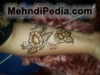 Simple mehndi design images for wrist